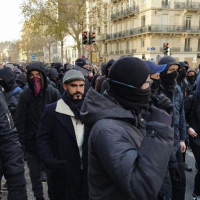 Очередная акция протеста против пенсионной реформы началась в Париже