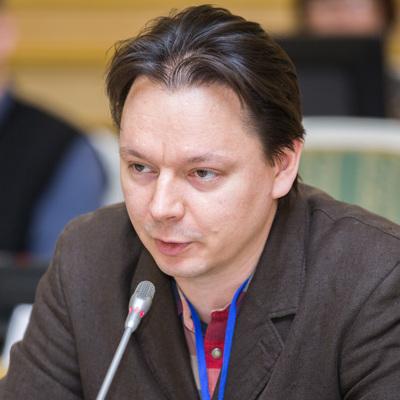 Алексей Незнанов