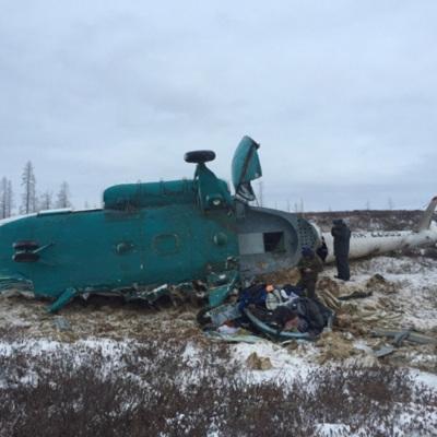 Разбор завалов идет на месте крушения Ми-8 Минобороны на Чукотке
