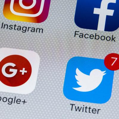 В соцсетях детей до 14 лет следует регистрировать только с разрешения родителей