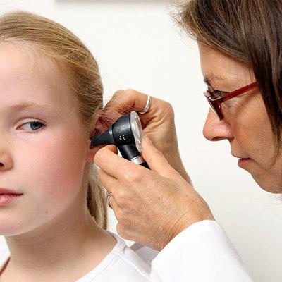 У 18-23% пациентов с коронавирусом встречается заложенность ушей