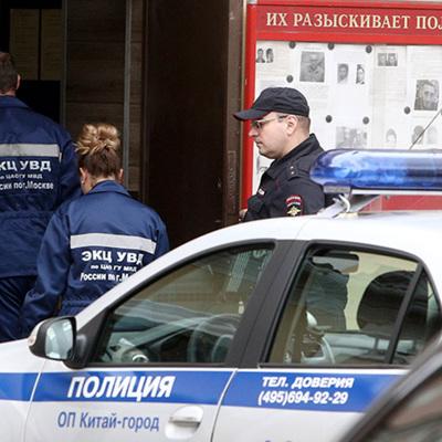 Подпольное производство косметологических препаратов накрыли столичные оперативники.
