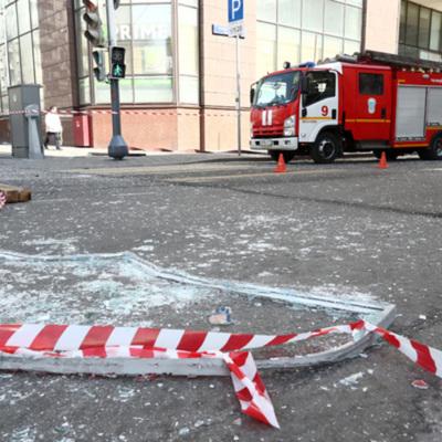 Два человека пострадали при взрыве кислородного баллона в БЦ «Панорама»