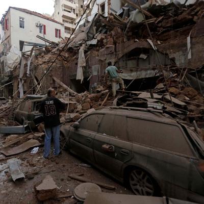 Российские спасатели разбирают завалы в пору Бейрута