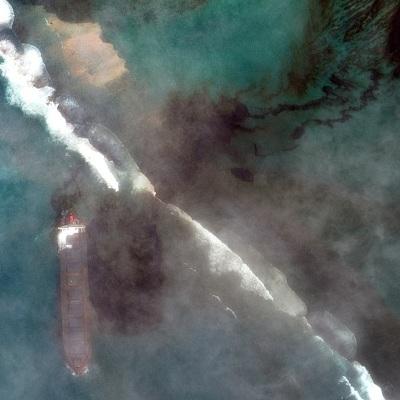 Режим ЧС объявлен на Маврикии после разлива нефти