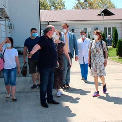 Абхазия на неделю открыла границу с Грузией для возвращения жителей республики