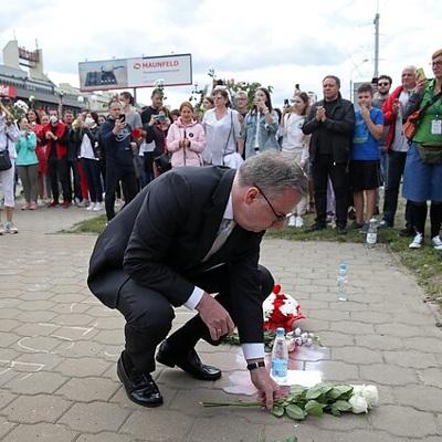 Жители Минска собралисьв районе станции метро