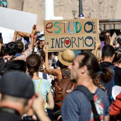 В Мадриде прошли акции против новых ограничений для сдерживания коронавируса