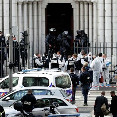 Макрон решил привлечь больше военных к операциям против терроризма во Франции