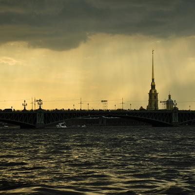 Власти Петербурга готовы к постепенному снятию ограничений по коронавирусу