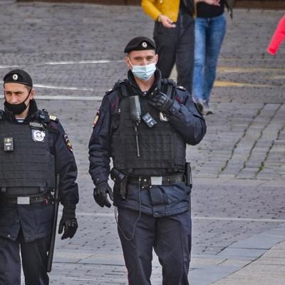 Задержанных на незаконной акции в Москве детей передали родителям