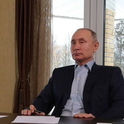 Путин: борьба с коронавирусом в мире должна быть совместной