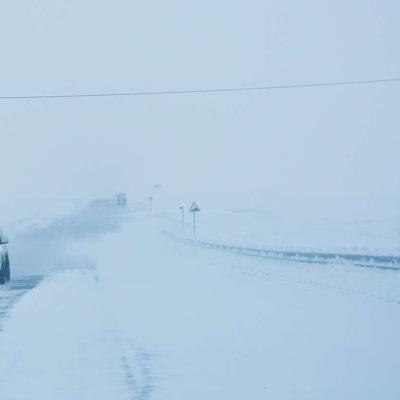 ОМОНовцы помогают водителям, застрявшим на трассе Магнитогорск – Челябинск