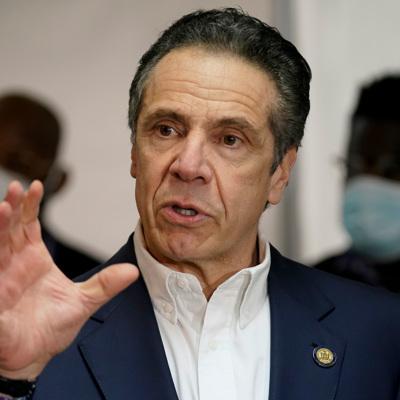 Губернатор Нью-Йорка предложил пускать в бары и рестораны только вакцинированных