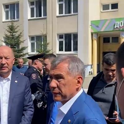 Казань: Минниханов подтвердил гибель семерых детей в результате стрельбы в школе