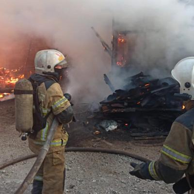 Крупный пожар произошел на северо-востоке Екатеринбурга