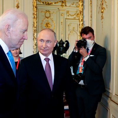 Первый раунд переговоров президентов России и США в Женеве завершен