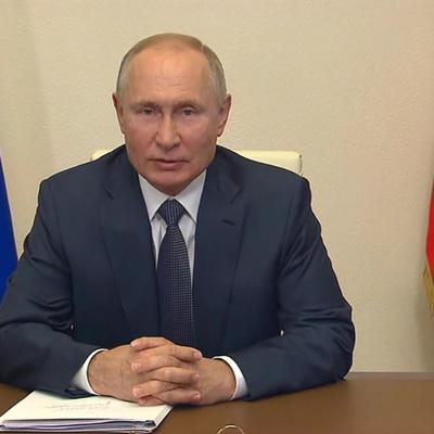 Путин поздравил личный состав и ветеранов ВДВ с днем Воздушно-десантных войск