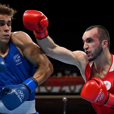 Гаджимагомедов в полуфинале победил новозеландского боксера