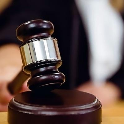В отношении нотариуса, оформлявшего сделки с недвижимостью семьи Баталова, возбудили дело