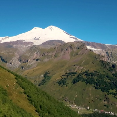 Пять альпинистов погибли, 14 спасены после восхождения на Эльбрус