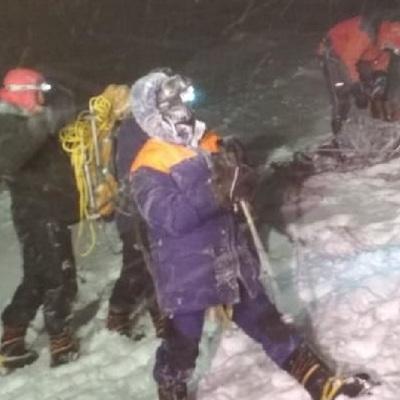 Тела трех погибших альпинистов на Эльбрусе будут спущены в течение дня