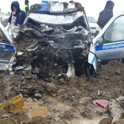 Cотрудники ГИБДД госпитализированы на Сахалине после аварии с бензовозом