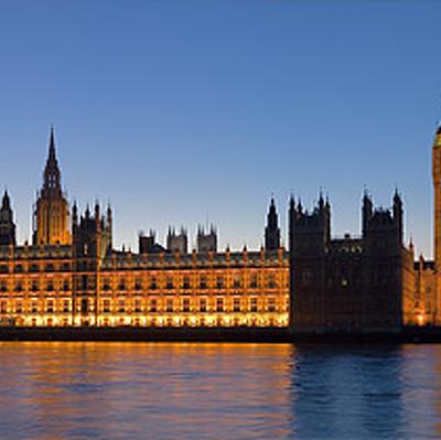 Британский парламент проголосовал за то, чтобы законодатели определяли ход Brexit