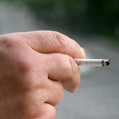 Власти Черногории ополчились на курящих