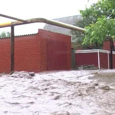 Пострадавшим от паводка окажут материальную помощь