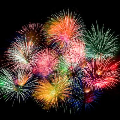 Праздничный фейерверк по случаю Нового года запустят с 13-ти высотных точек