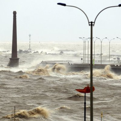 В турецкой провинции Анталья 38 человек пострадали при сильной шторме