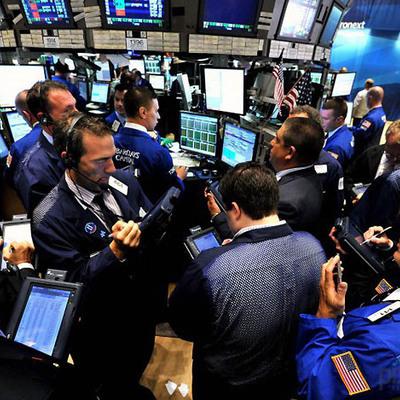 Крупное снижение котировок произошло на Гонконгской фондовой бирже вслед за аналогичным спадом в Нью-Йорке