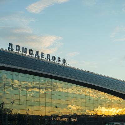 Дебошира сняли с авиарейса Москва-Анталья