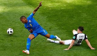 Два футболиста сборной Бразилии не смогут сыграть с сербами