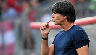 Йоахим Лев не уйдет с поста главного тренера сборной Германии