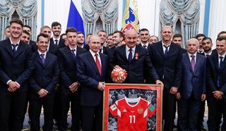Футбольную сборную России чествовали в Кремле