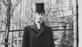 Николай Гумилёв. Париж 1906 г. /автор фото - Волошин Максимилиан / Общественное достояние