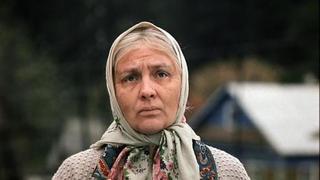 """Кадр из к/ф """"Любовь и голуби"""""""