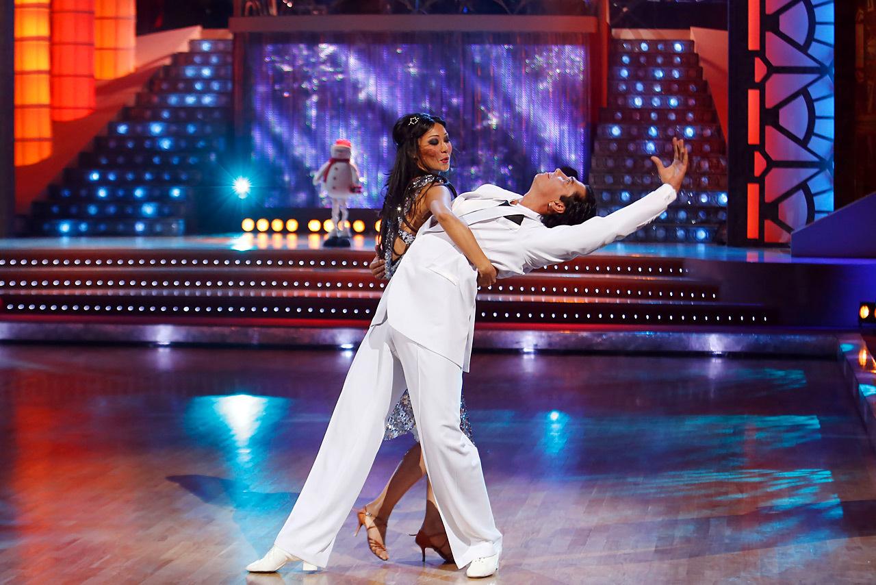 Танцы со звездами софья фото
