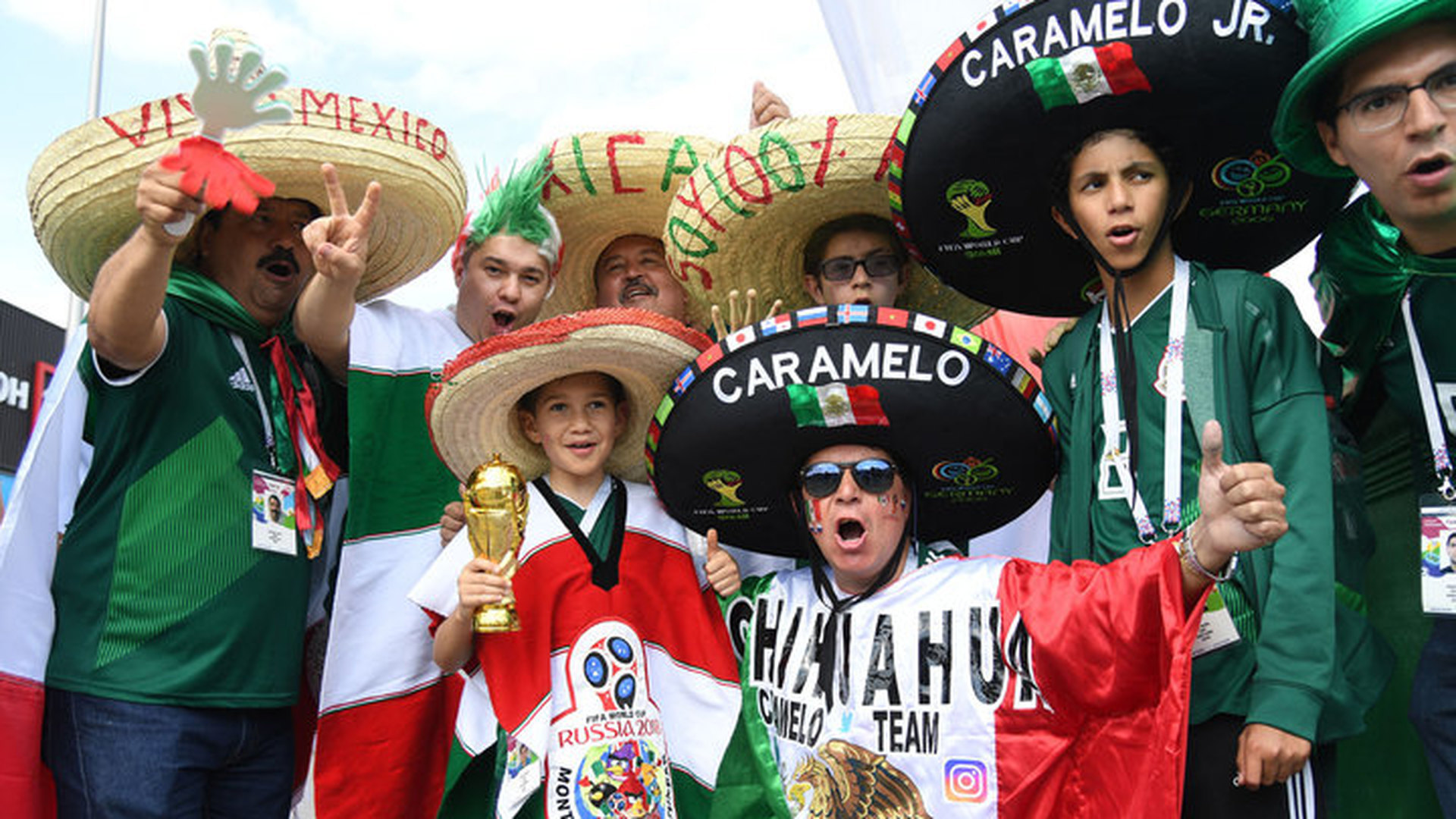 ФИФА завела дело из-за гомофобных скандирований мексиканских фанатов
