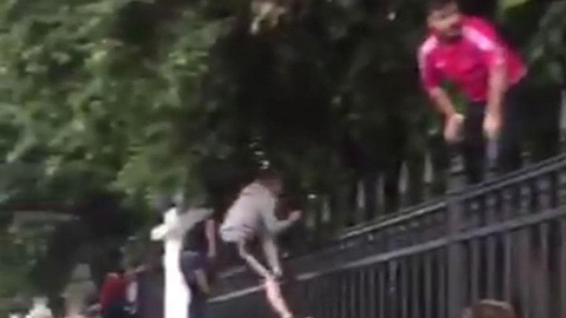 Болельщики сборной России штурмуют московскую фан-зону