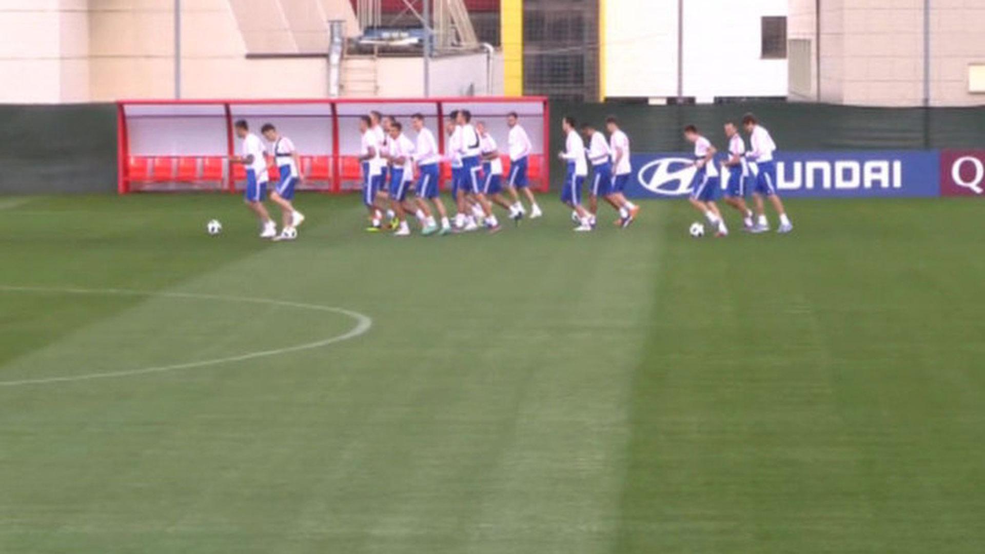 Российские футболисты провели восстановительную тренировку