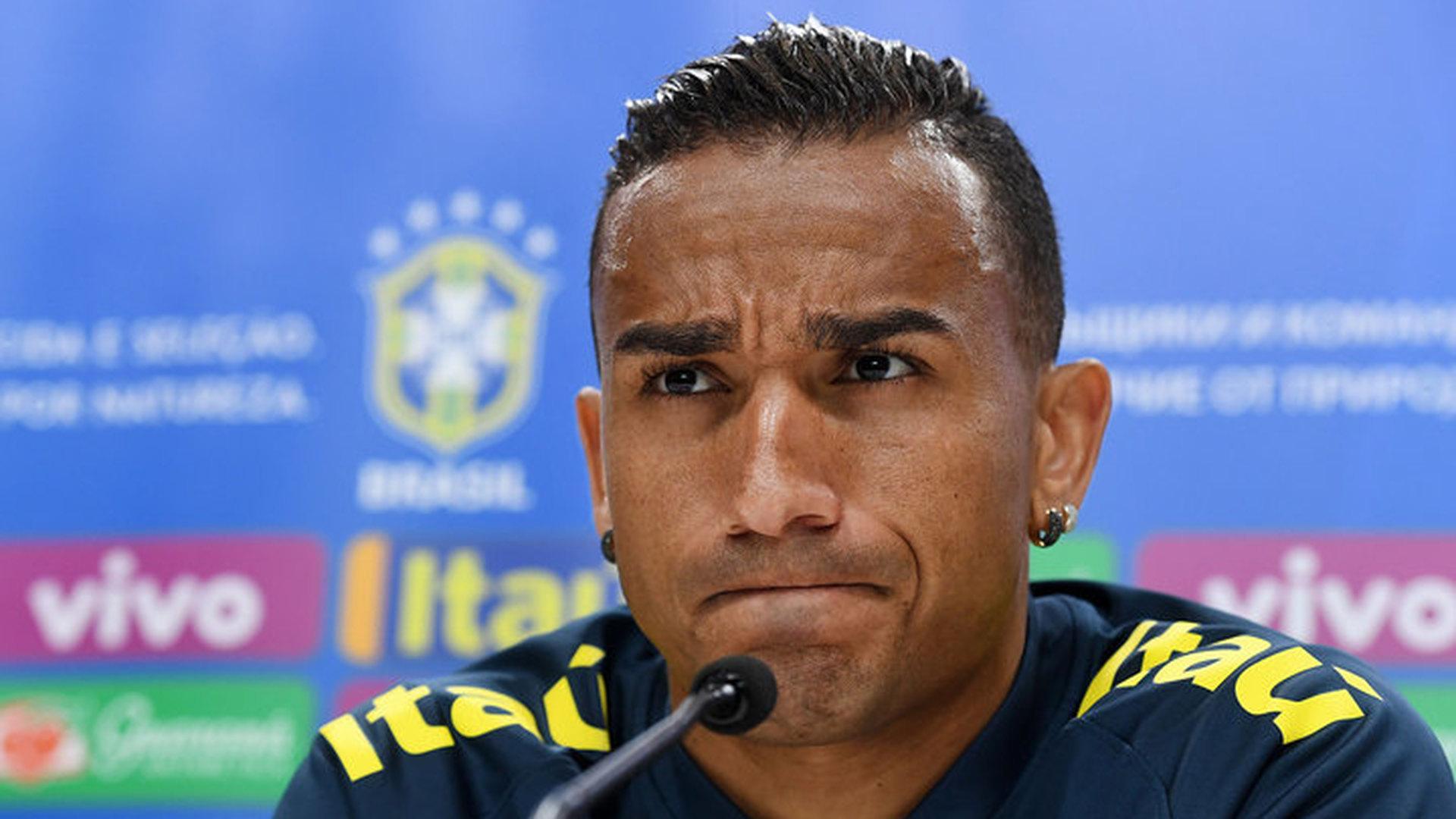 Бразилец Данило пропустит остаток чемпионата мира из-за травмы