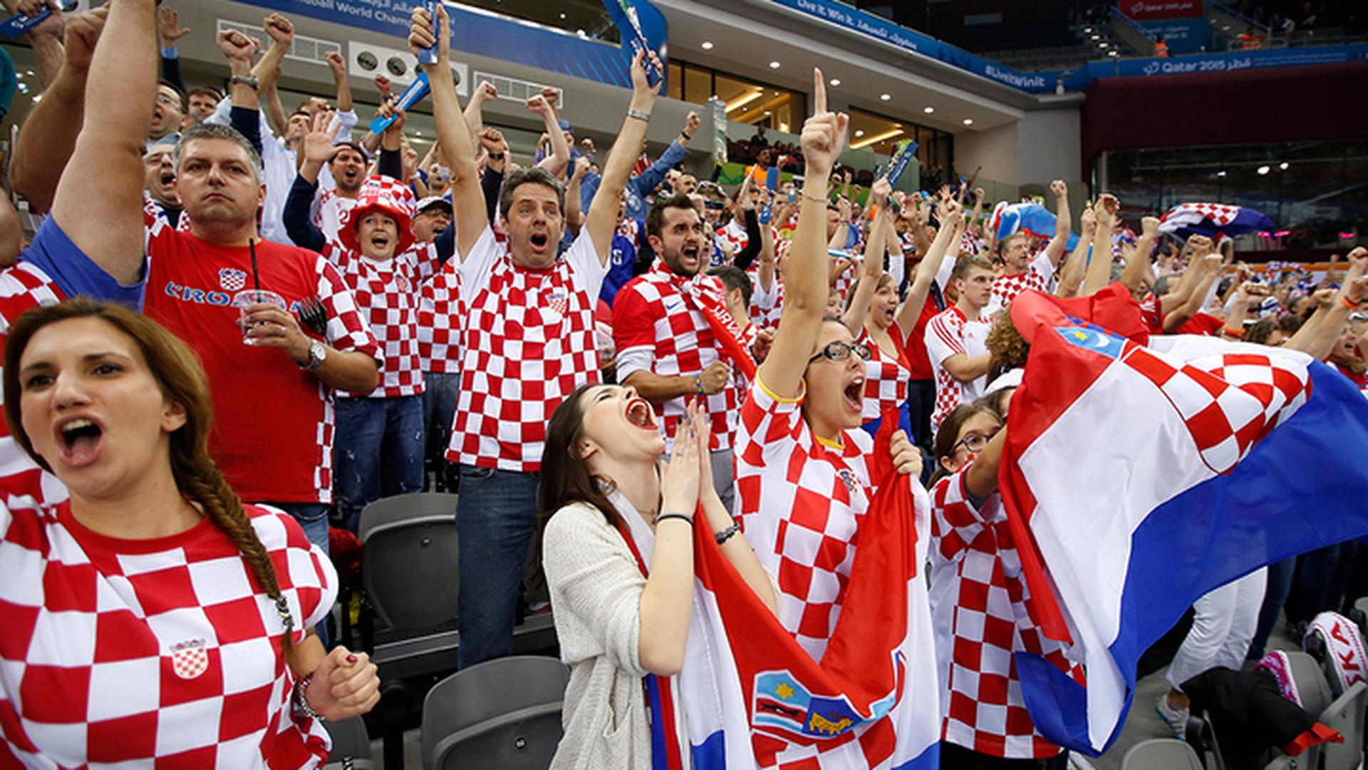 Хорваты получили от ФИФА предупреждение за фашистский баннер