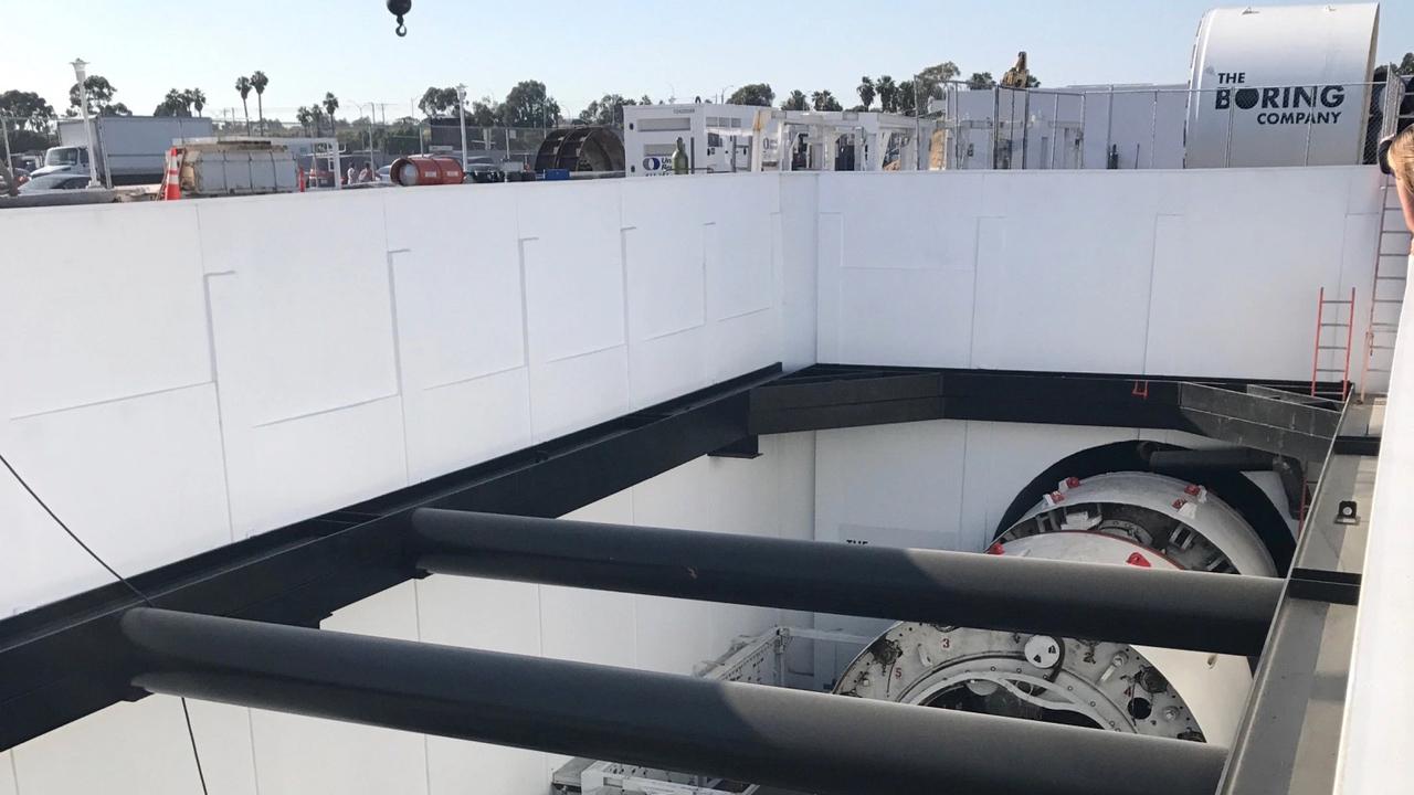 Илон Маск построит тестовый тоннель впригороде Лос-Анджелеса