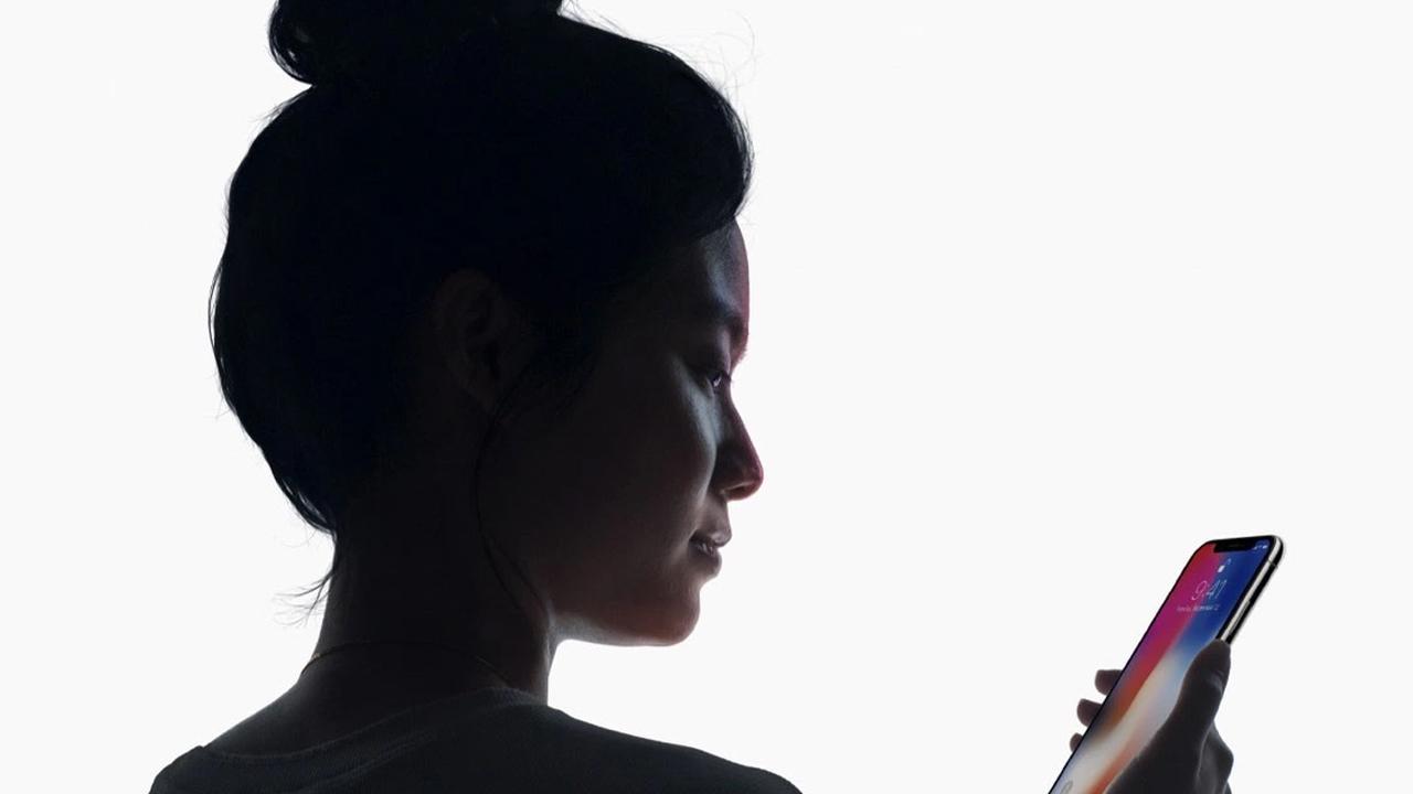 Apple внедрит FaceID вовсе мобильные телефоны