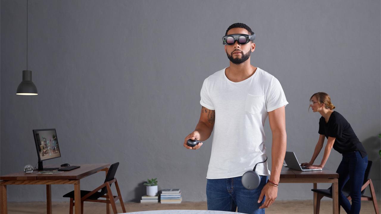 Представлены необыкновенные очки дополненной реальности
