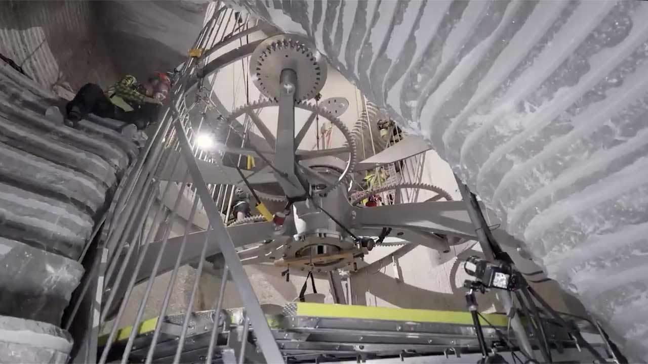 Создатель Amazon Безос начал строительство часов, рассчитанных на 10 тысяч лет работы
