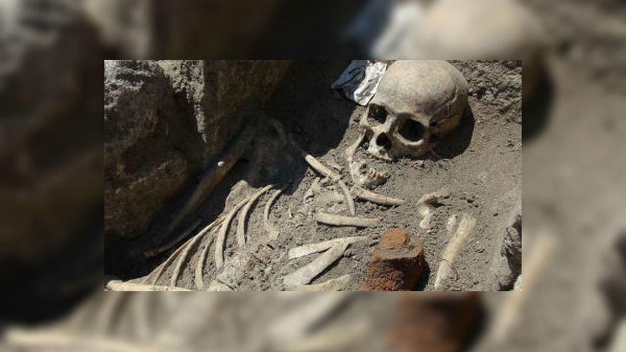 В Болгарии обнаружены два скелета беззубых вампиров